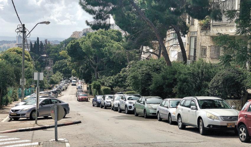 רחוב ביכורים. רחוב מגורים מובהק, אבל עדיין מרכזי ביותר (צילום: שושן מנולה)