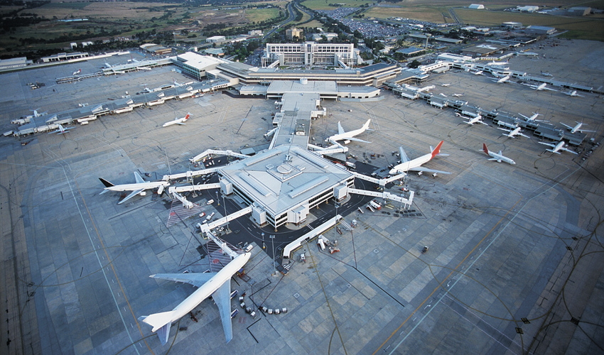 שדה תעופה (צילום: א.ס.א.פ קראיטייב/INGIMAGE)