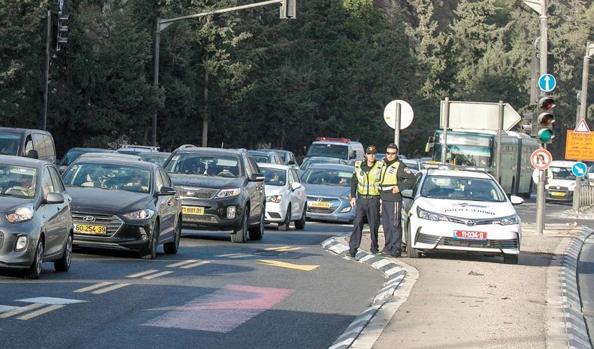 שוטרי תנועה (צילום: אוליבייה פיטוסי)