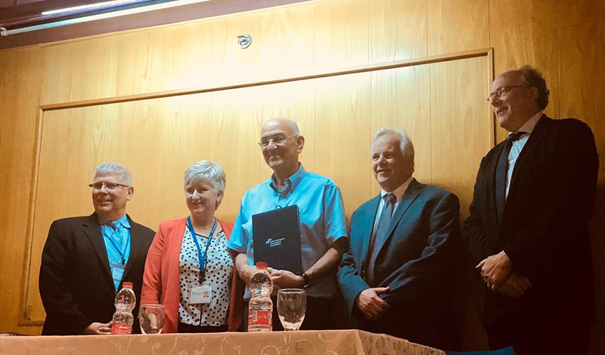 """ד""""ר אמנון רופא וצוות הסוקרים של ארגון ה-JCI (צילום: אסנת זיבנברג)"""