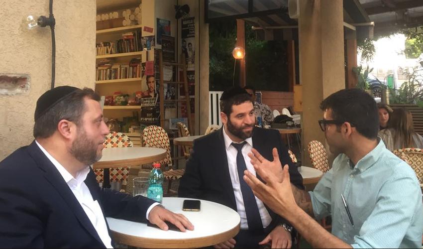 """מיכי אלפר (משמאל), מנחם שפירא וניר שובר. """"ערכנו סבב פגישות בעיר עם מובילי דעת קהל"""""""