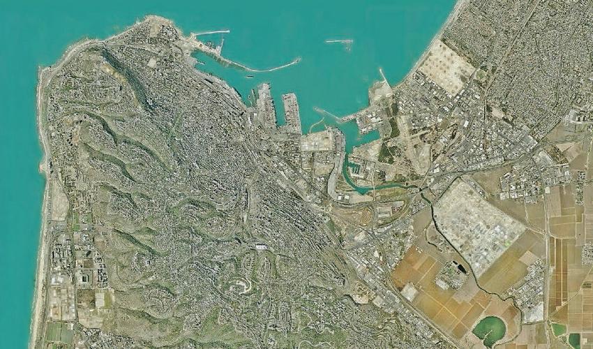 מפרץ חיפה (צילום לוויין: אגף המחשוב בעיריית חיפה)