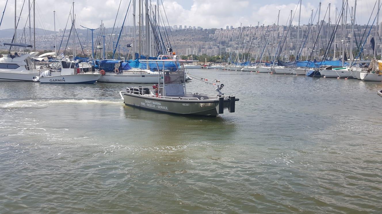 סירת הכיבוי החדשה (צילום: יניב מס)