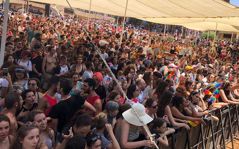 מצעד הגאווה החיפאי - המסיבה בגן האם (צילום: ראובן כהן)