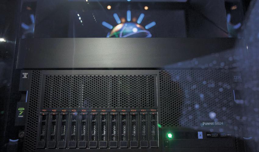 חלק מווטסון - מחשב העל של IBM (צילום: Micael Nagle, Bloomberg)