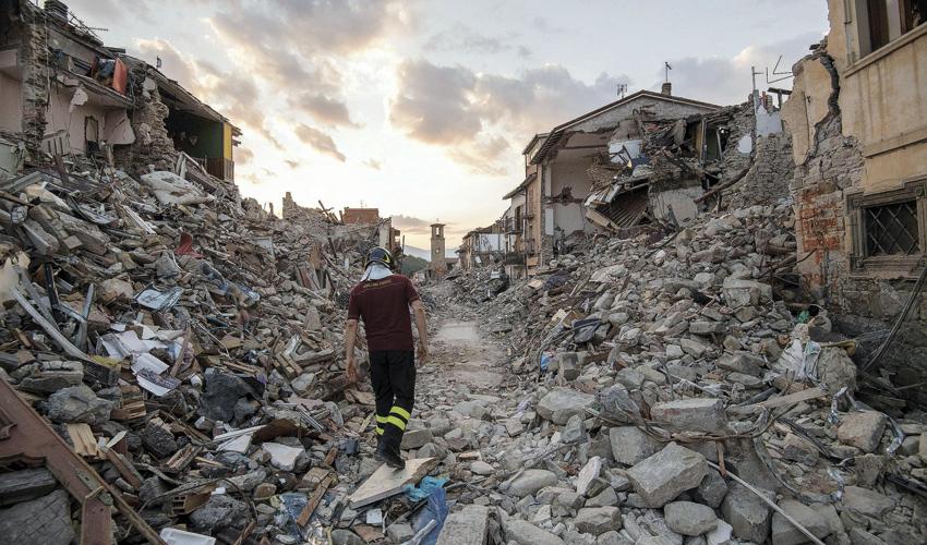רעידת אדמה באיטליה (צילום: Alessandro Di Meo, AP)