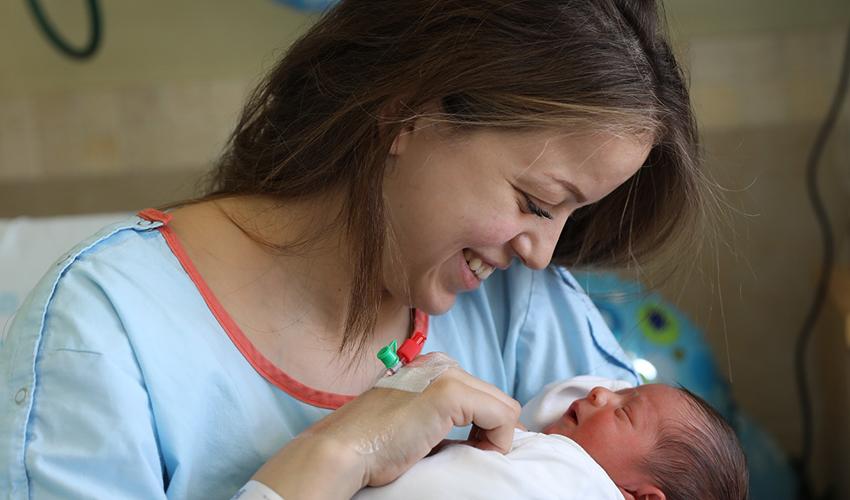 לינה סוואד ובנה (צילום: זיו קורן)