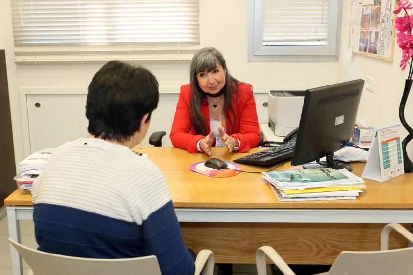 """ד""""ר אלה ויצמן, מנהלת המרכז למחלות כבד בקריה הרפואית רמב""""ם (צילום: פיוטר פליטר)"""
