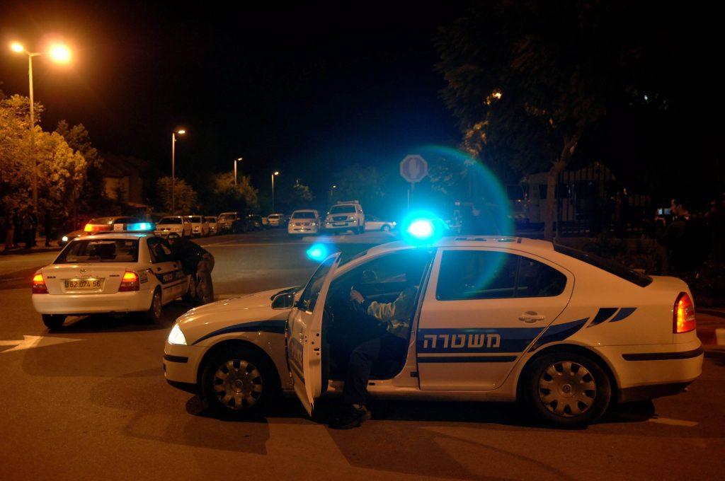 פעולה משטרתית לילית (צילום: ירון קמינסקי)
