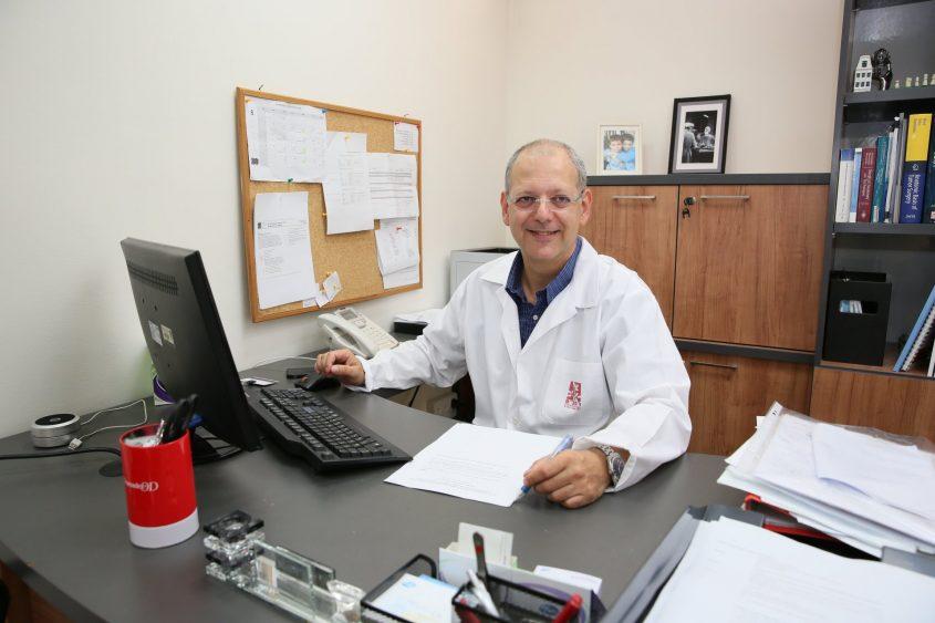 """ד""""ר אביעד הופמן, מנהל מכון השד ברמב""""ם (צילום: פיוטר פליטר)"""