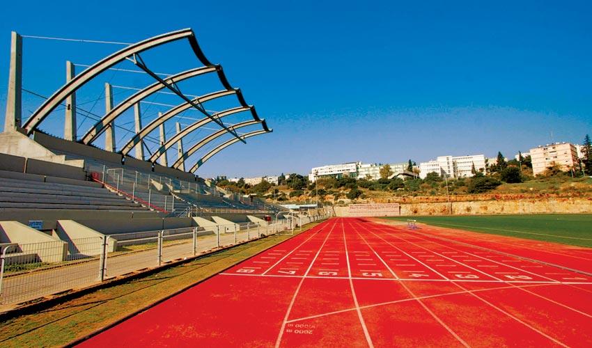 מסלול הריצה באיצטדיון האתלטיקה בנוה שאנן (צילום: קובי פאר)