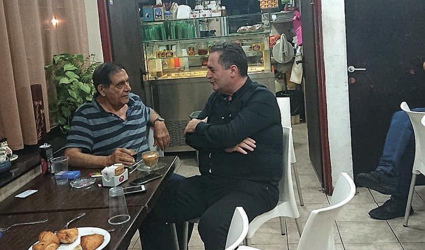 """רמי לוי והשר ישראל כץ. """"זו היתה שיחה אישית שנמשכה שעה וחצי"""""""