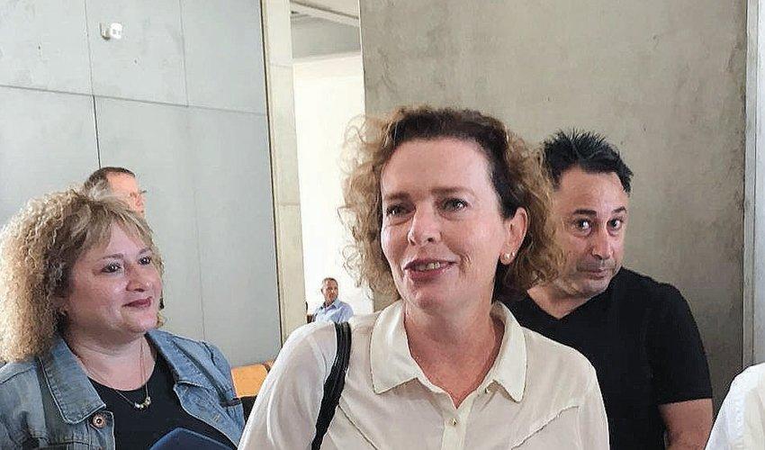 עינת קליש רותם, היום בכניסה לבית המשפט (צילום: חגית הורנשטיין)