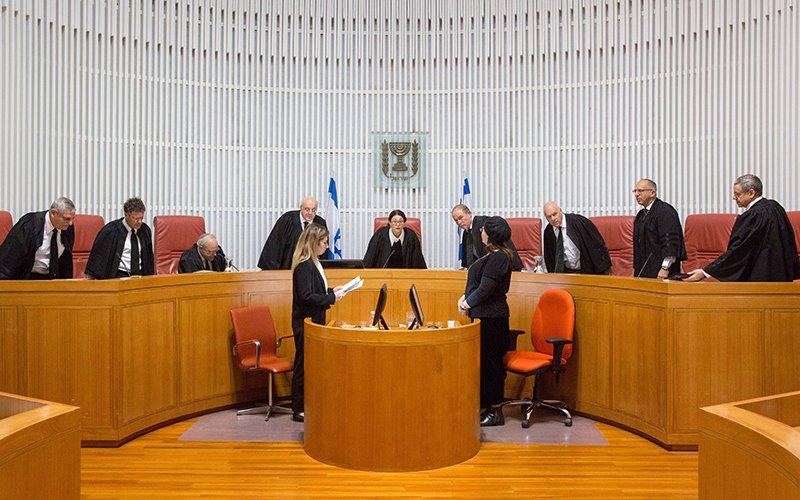 דיון בבית המשפט העליון (צילום: אמיל סלמן)