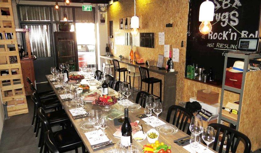 """חדר טעימות היין של האתר winelist. """"אני רוצה להנגיש את עולם היין הקסום לכולם"""""""