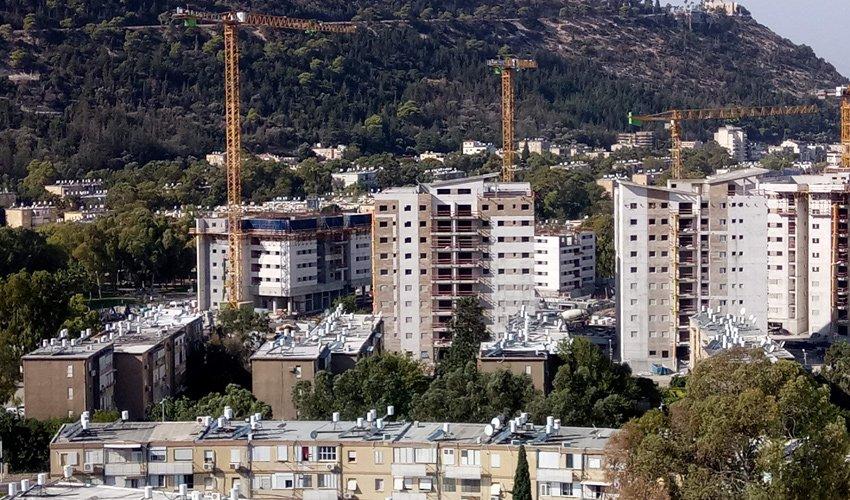 בנייה חדשה בקרית אליעזר (צילום: שי אילן)