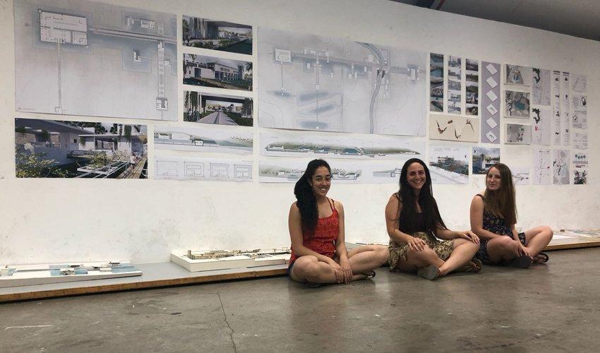 הסטודנטיות לוטם חממה, אלכס סאיטובה וענבר מכלוף (צילום: המרכז האקדמי ויצו)