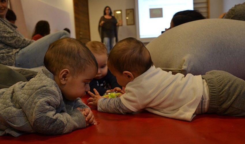 """מפגש במסגרת המיזם """"Mama Tech"""" (צילום: שרון דסקל)"""