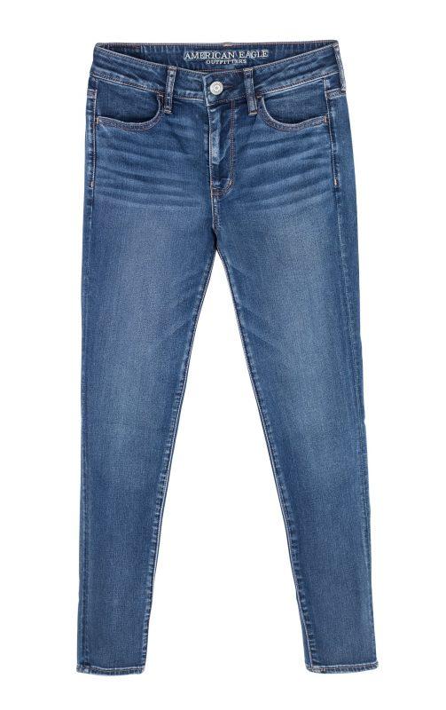"""סקיני ג'ינס בגזרה גבוהה. """"אמריקן איגל"""", 2 ג'ינסים ב-179.90 שקלים. צילום: טל טרי"""