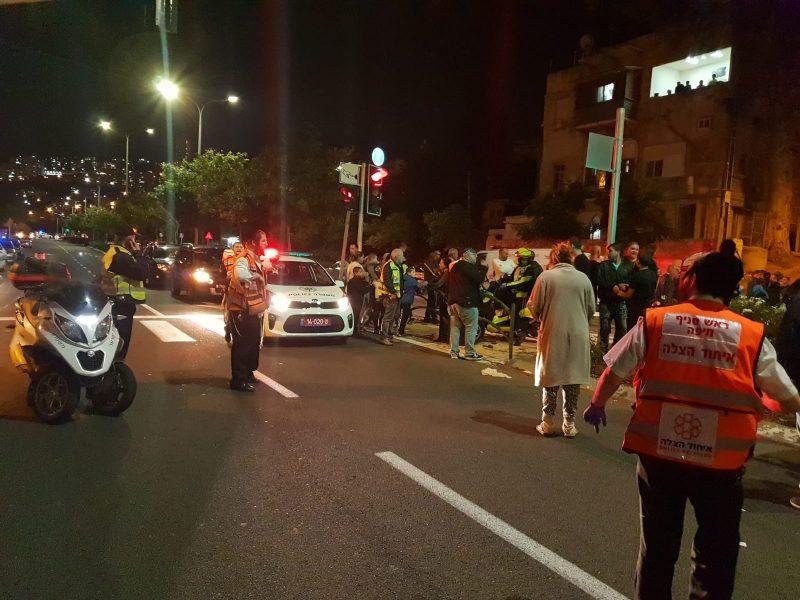 זירת התאונה ברחוב אבן גבירול (צילום: דוברות איחוד הצלה)