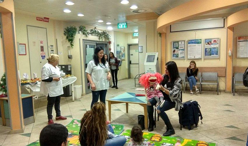 אירוע החיסונים במרכז לבריאות הילד במגדל ארמון (צילום: דוברות שירותי בריאות כללית)