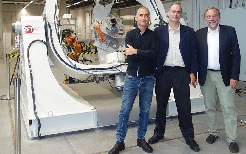 פרופ' קלאוס שלינג (מימין), פרופ' יואב שכנר ופרופ' אילן קורן (צילום: הטכניון)