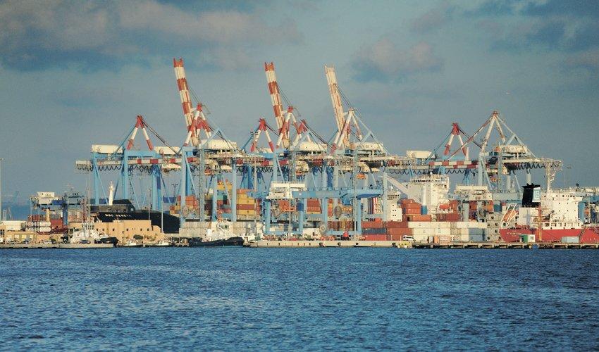 נמל חיפה (צילום: רמי שלוש)