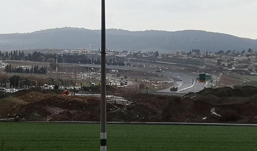 המקטע החדש של כביש 77 (צילום: אביב מלכי)