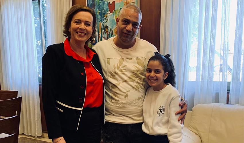 עינת קליש רותם עם אמיר ולינוי סוסן (צילום: ניר שובר)