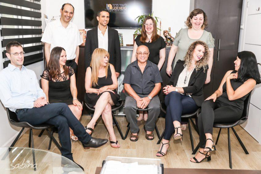 צוות העובדים במשרד. צילום: סבינה זרביאלוב