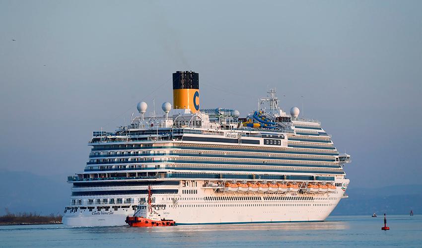 """האונייה """"Costa Venezia"""" (צילום: AFP)"""