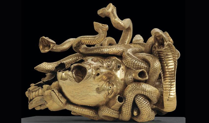 """היצירה """"ראשה הערוף של מדוזה"""" של דמיאן הירסט (צילום: יח""""צ)"""