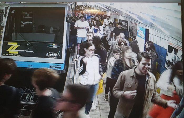 העומס במנהרת הכרמלית (צילום מתוך סרטוני האבטחה של הכרמלית)