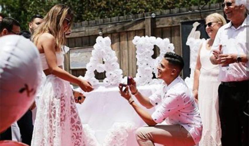 סטטיק מציע נישואים לשרית פולק. #איפהסטטיק (צילום מתוך חשבון האינסטגרם של סטטיק)