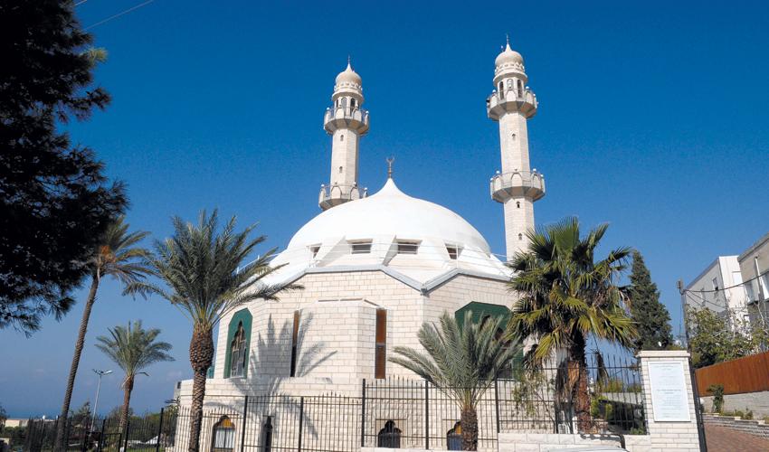 המסגד בשכונת כבביר (צילום: צבי רוגר)