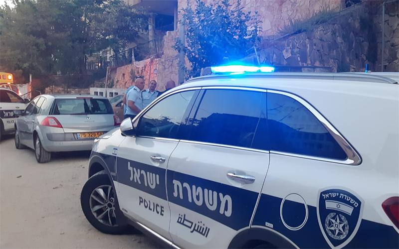 זירת הרצח ברחוב הירדן (צילום: דוברות המשטרה)