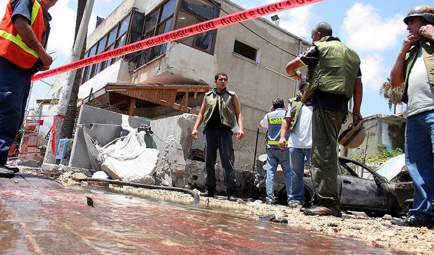 התקפת טילים על חיפה במלחמת לבנון השנייה (צילום: איציק בן מלכי)