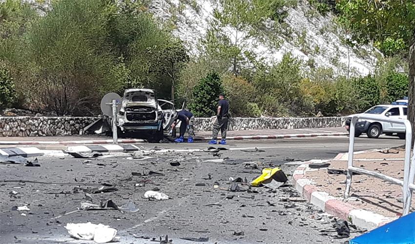 זירת פיצוץ המכונית בנשר (צילום: דוברות המשטרה)