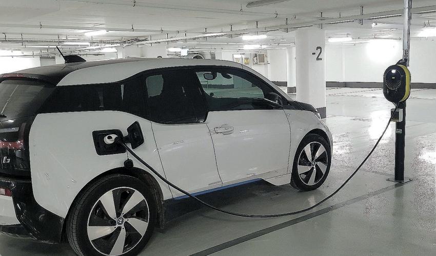עמדת הטענה לרכב חשמלי