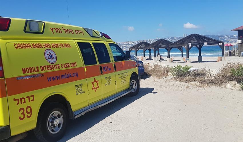 """זירת הטביעה בחוף נאות בקרית חיים (צילום: תיעוד מבצעי מד""""א)"""