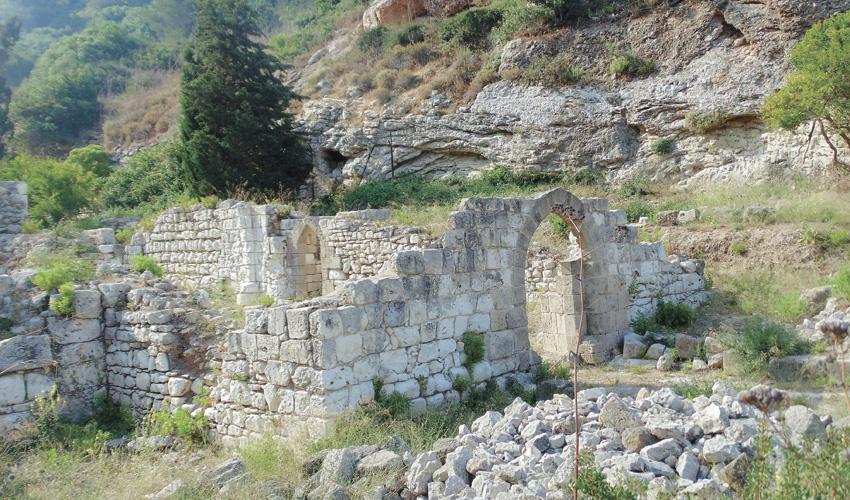 שרידי הכנסייה הכרמליטית (צילום: יוסי מזור)