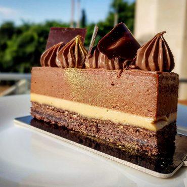 קינוח שוקולד קרמל שיגרום לכם להתאהב. צילום: מאיה חסן