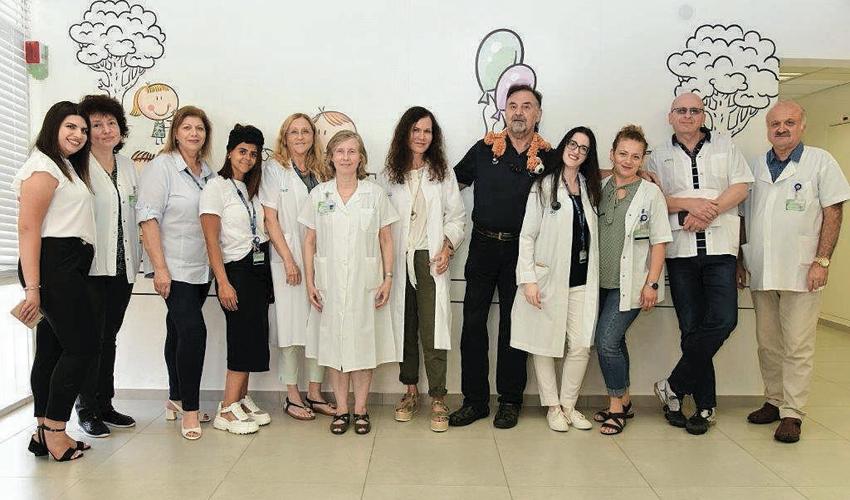 צוות המרפאה בקרית שפרינצק (צילום: דוברות שירותי בריאות כללית)