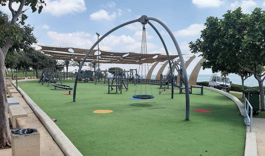 גן משחקי האתגר בפארק הכט (צילום: יוסי מזור)