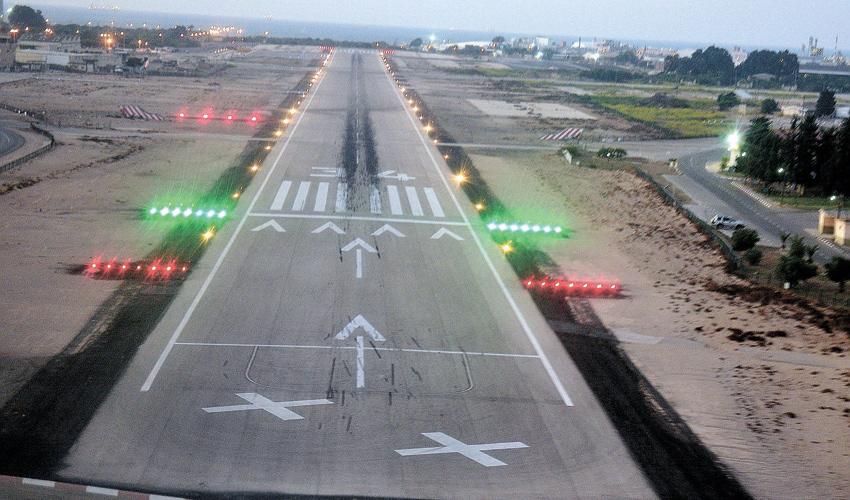 שדה התעופה בחיפה (צילום: צבי רוגר)