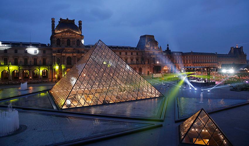 מוזיאון הלובר בפריז (צילום: אי.פי)