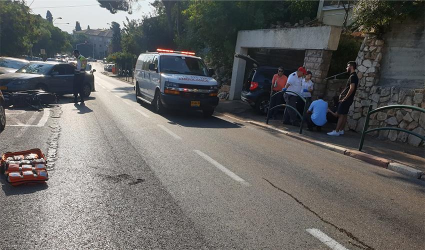 זירת התאונה ברחוב שמשון (צילום: דוברות איחוד הצלה)