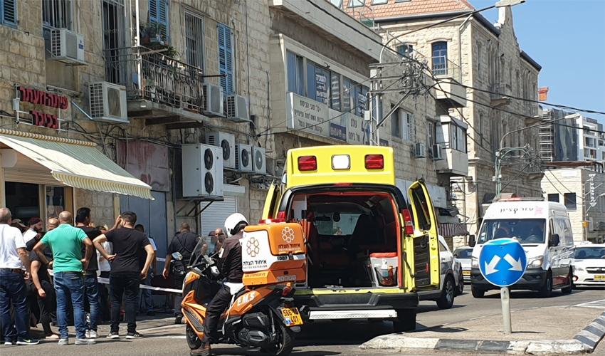 זירת אירוע הירי ברחוב קיבוץ גלויות (צילום: דוברות איחוד הצלה)