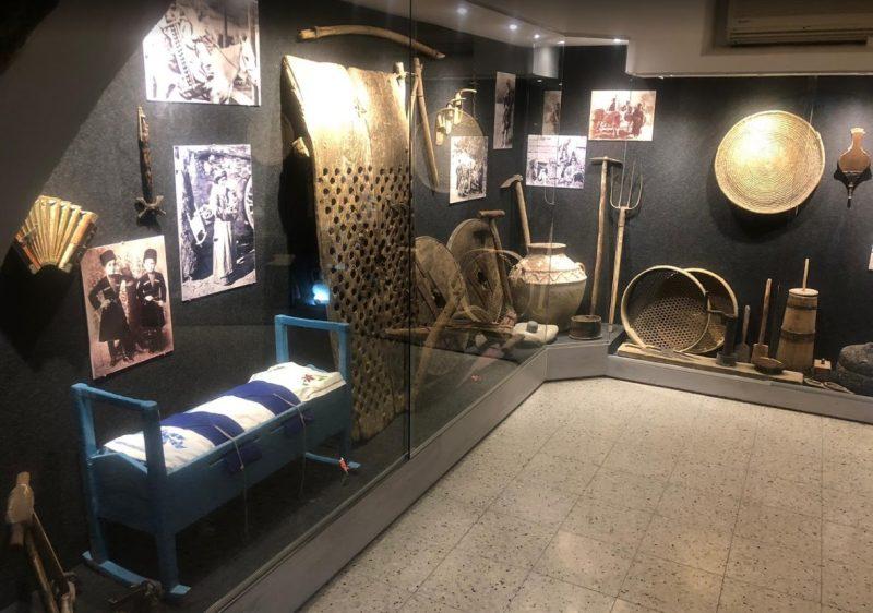 תצוגה מהמוזיאון והעריסה המפורסמת. צילום עצמי