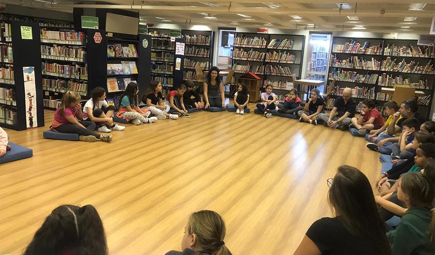 שיעור של בית החינוך דרך הרוח באוניברסיטת חיפה